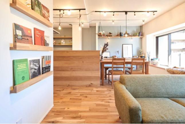 くつろぎのカフェスペース。